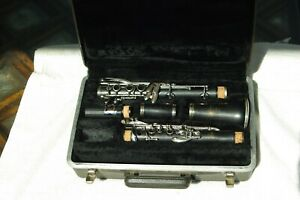 VINTAGE BUNDY WOOD CLARINET....Rare... Refurbished