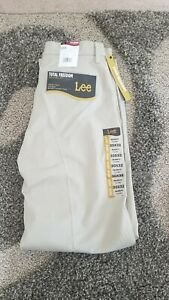 New Mens Lee 30 X 32 Total Freedom Khakis Relaxed Fit Flat Front Pants $19.99