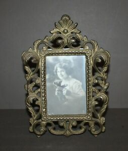 Antique Vintage Cast Brass Color Victorian Metal Picture Frame 3 5 X 5 Opening