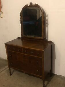 Antique Early 1900 S Dresser With Attached Mirror