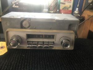1965 Valiant Am Push Button Radio With Face Plate And Knobs