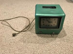 Acroprint 200r4 Electric Time Recorder Employee Punch Clock