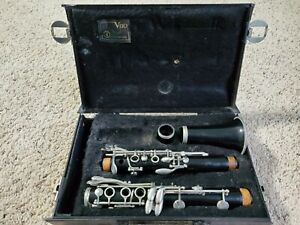 Yamaha YCL24 Clarinet with case