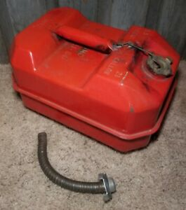 Vintage Blitz Usmc 2 5 Gallon Metal Gas Can Spout Antique