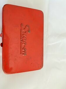 Vintage Snap On Kra255 Red Metal Tool Box With 2 For 1 4 Sockets Ratchets