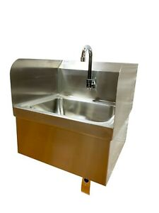 Wall Mounted Hand Sink With Knee Switch Stainless Steel With Sides Mixing Valve