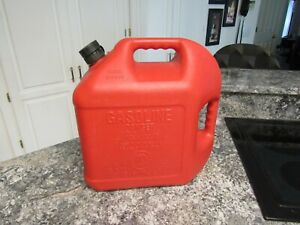 Blitz 5 Gallon Plastic Gas Gasoline Can Flexible Pour Spout Vented Quality Usa