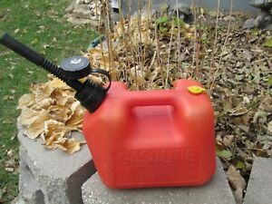 Blitz 1 4 Gallon Plastic Gas Gasoline Can Flexible Pour Spout Quality Usa 7