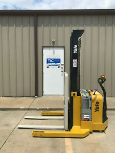 2013 Yale Walkie Stacker Walk Behind Forklift Straddle Lift Only 3126 Hours