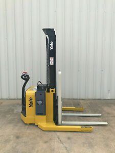 2012 Yale Walkie Stacker Walk Behind Forklift Straddle Lift Only 1422 Hours