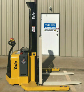 2009 Yale Walkie Stacker Walk Behind Forklift Straddle Lift Only 2238 Hours