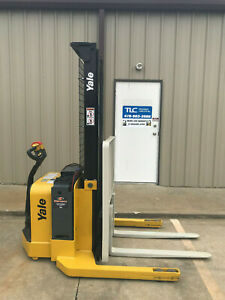 2008 Yale Walkie Stacker Walk Behind Forklift Straddle Lift Only 3318 Hours