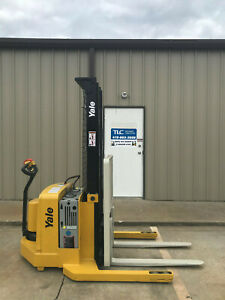 2006 Yale Walkie Stacker Walk Behind Forklift Straddle Lift Only 2854 Hours