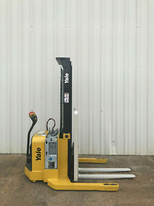 2009 Yale Walkie Stacker Walk Behind Forklift Straddle Lift Only 3649 Hours