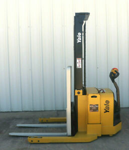 2008 Yale Walkie Stacker Walk Behind Forklift Straddle Lift Only 4842 Hours
