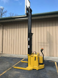 2005 Yale Walkie Stacker Walk Behind Forklift Straddle Lift Only 1361 Hours