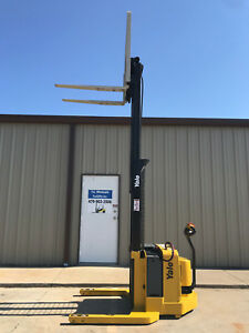 2003 Yale Walkie Stacker Walk Behind Forklift Straddle Lift Only 3737 Hours