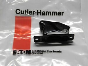 Mil spec Cutler Hammer 8916k853 Flush Two hole Mount Toggle Switch Guard 2pos