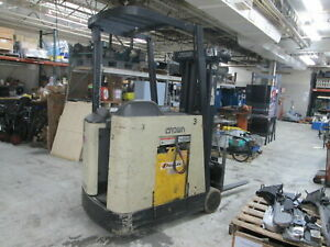 Crown Rc3020 35 36volt 3 000 Lbs Capacity Electric Stand up Forklift Truck