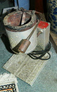 VINTAGE LEE INFINITE HEAT CONTROL LEAD MELTING POT FURNACE 120V AC 500 WATTS $74.95