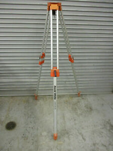 David White Model 9045 Tripod For Automatic Level Transit Very Good Condition