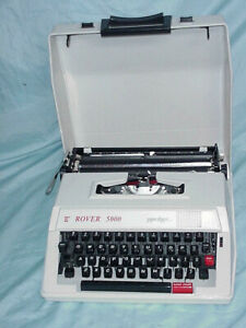 Rover 5000 Super Deluxe Manual Typewriter With Case tested Travel Compact Nice