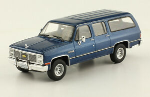 Chevrolet Suburban 1988 Diecast 143 Mexican Cars New And Sealed Withmagazine