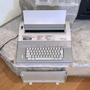 Working Smith Corona Xt 2710 Spell right Dictionary Word Processor Typewriter