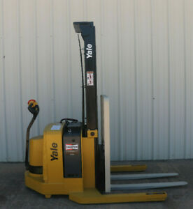 2007 Yale Walkie Stacker Walk Behind Forklift Straddle Lift Only 2346 Hours