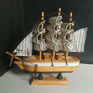Vintage Wood Model Navy Sailing Ship Uss Constitution Sail Boat 6 In Long