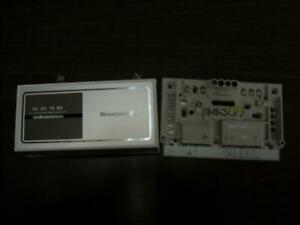 Honeywell Y594g1476 Heat cool Thermostat With Subbase 161973
