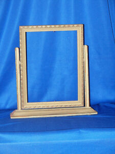 Primitive Wooden Picture Frame On Stand Tilts 7 X 9 1 2 Gold Tone Color