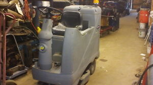 Floor Cleaning Machine Advenger 3210d