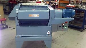 Vibratory Finisher