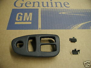 00 01 02 Chevrolet Camaro New Drivers Side Power Window Switch Bezel With Clips