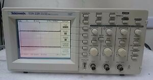 Tektronix Tds220 100 Mhz Digital Oscilloscope 2 Channel 1 Gs s