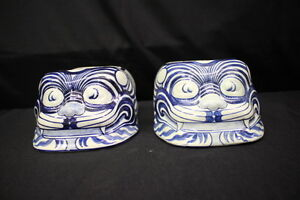 Pair Of 2 Vintage Hand Painted Blue White Chinese Ceramic Foo Dog Figurines 13