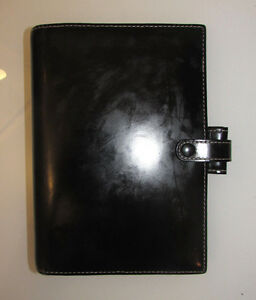 Vintage Filofax Personal Organizer Planner Soho Black Leather White Stitch