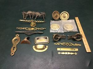 Mixed Lot Of 21 Antique Vintage Brass Drawer Cabinet Pulls Handles Hardware