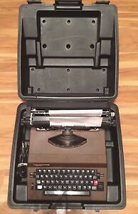 Vintage Sears Scholar 161 53970 Portable Electric Typewriter W Hard Case Works