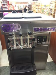 Stoelting F131 Soft Serve Yogurt Ice Cream Machine 1ph Water Cooled