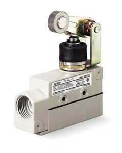Spdt Limit Switch Horizontal Roller Lever Ip 65 Omron Ze na2 2s