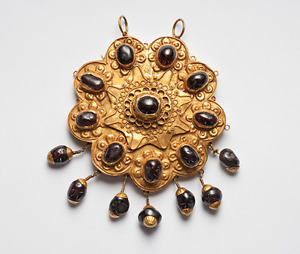 Ancient Jewelry Ottoman Gold Garnet Pendant Brooch 12th Century A D Luxury