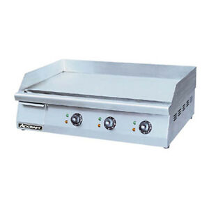 Adcraft Grid 30 30 Electric Countertop Griddle With Flat Griddle Surface
