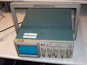 Tektronix 2214 4 Channel Portable Digital Storage Oscilloscope