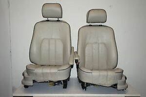 Land Rover Range Rover Hse Lr3 4 Front Leather Seat Ivory Black Piping Pair Oem