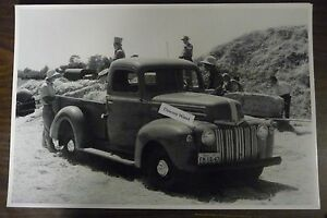 12 By 18 Black White Picture 1942 Ford Truck Loading Hay Michigan Plates