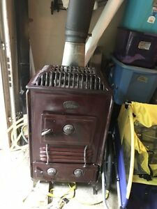 Antique Estate Junior Heatrola Wood Burning Stove 15