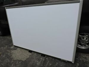 Smart Board Sb685 Interactive Whiteboard Extra Large Screen 87 Accessories