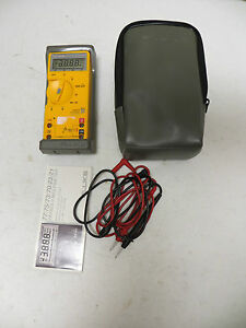 Fluke 21 Series Ii Multimeter With Belt Case Carrying Pouch
